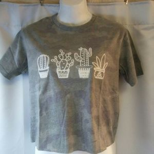 Rebellious One Camo Print t-shirt With Graphics, X